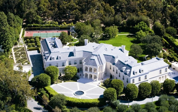 this-la-mansion-just-became-the-most-expensive-home-in-america-1932253-1476117400.600x0c